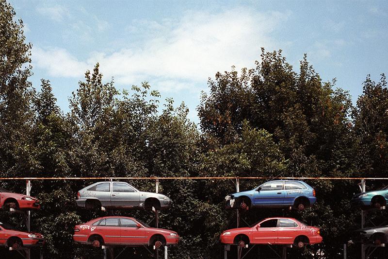 dennis iwaskiewicz travel photography places cars junkyard